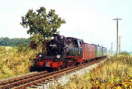 99 4801 am 14.10.2000 mit N 104 bei Lauterbach/Rügen
