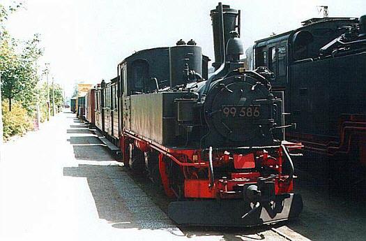 99 586 als Rekolokomotive am 06.07.2001 in Radebeul Ost
