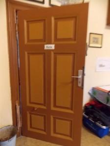 zum Vergleich eine der noch im                                                                                          Original erhaltenen Türen                                                                                          im Vereinsraum (vor dem Museum)